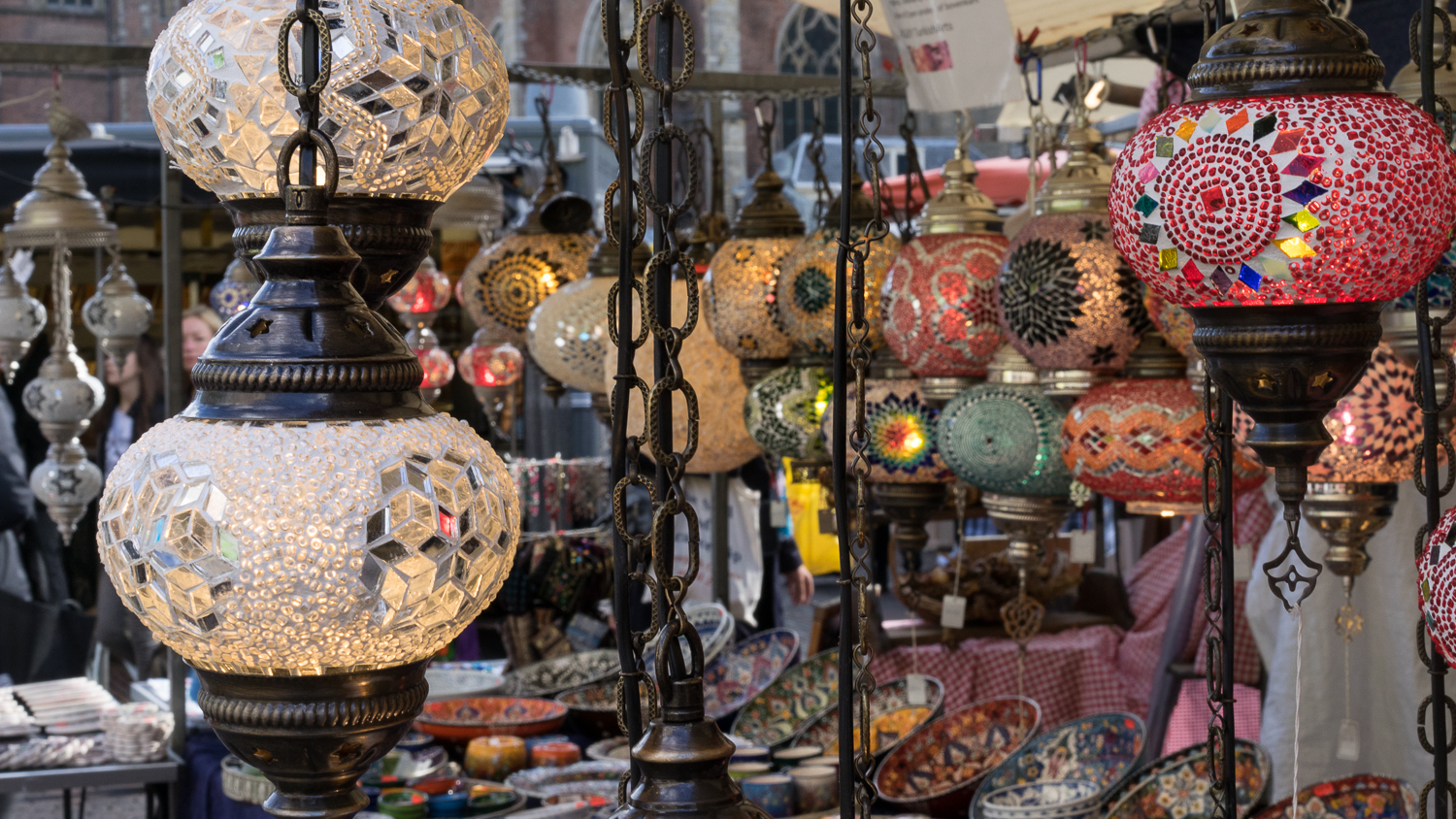 LAMPS FROM THE MARKETS OF HAARLEM, THE NETHERLANDS // MEETYOUTHERE.ME