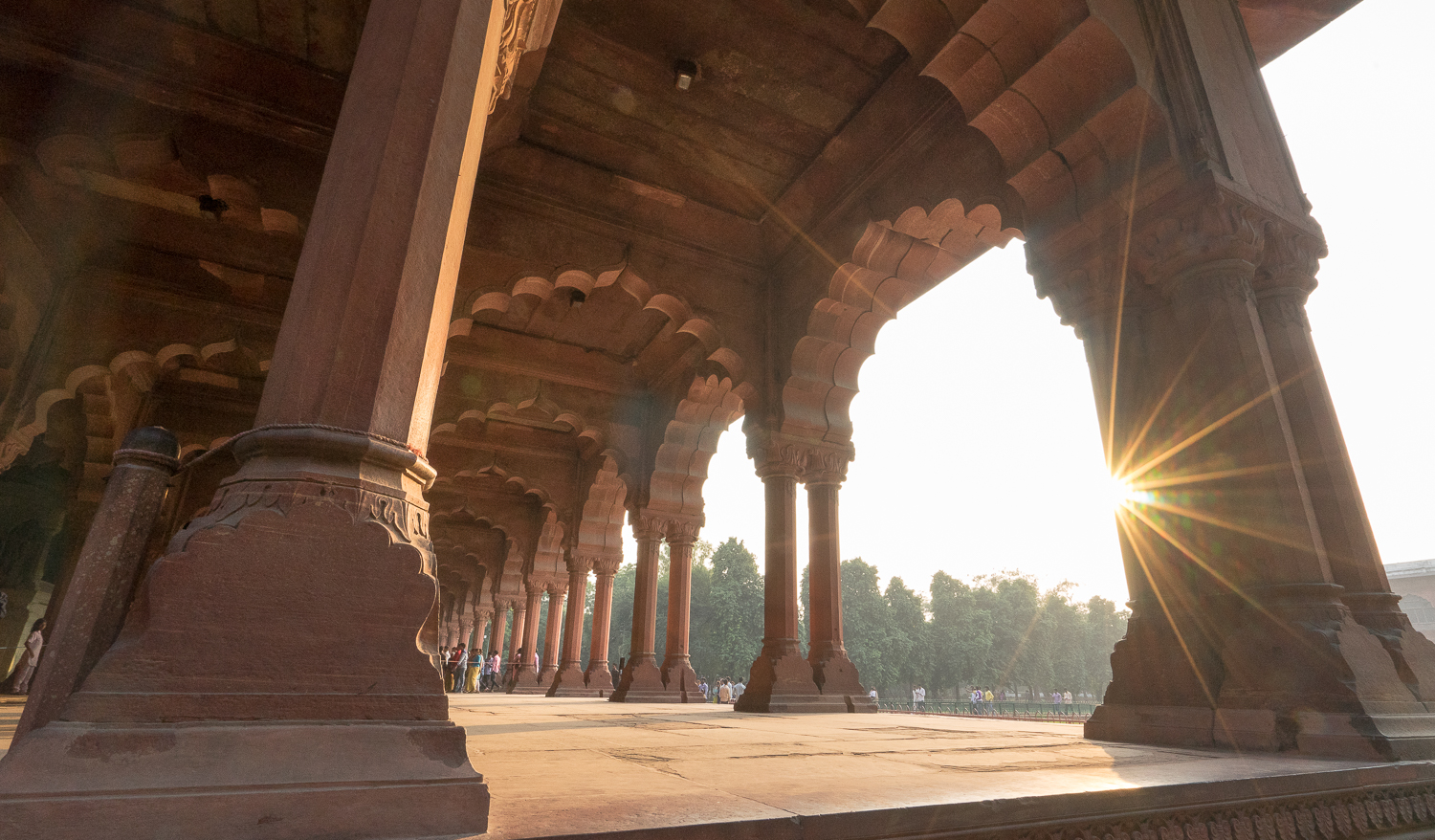 LEAVING THE RED FORT // INDIA 2015