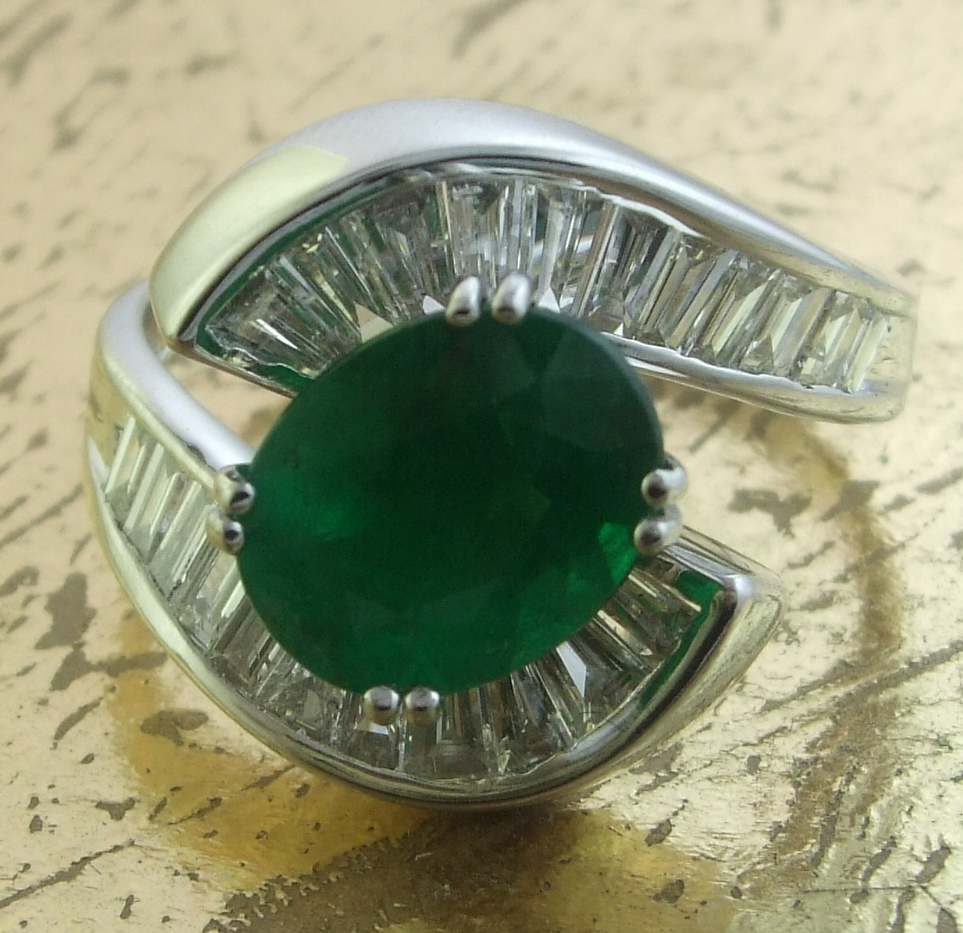 Emerald Ring with Baguette Diamonds - Item No: 0013217A