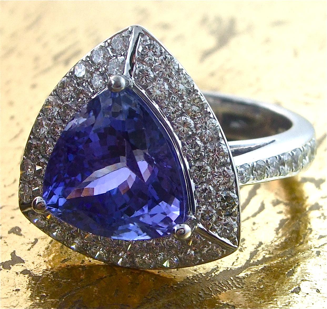 Tanzanite Ring with 2 rows of Round Diamonds - Item No: 0013395