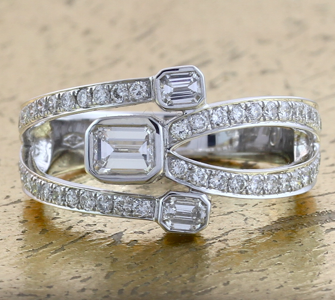 Diamond Cocktail Ring - Item No: 0013225