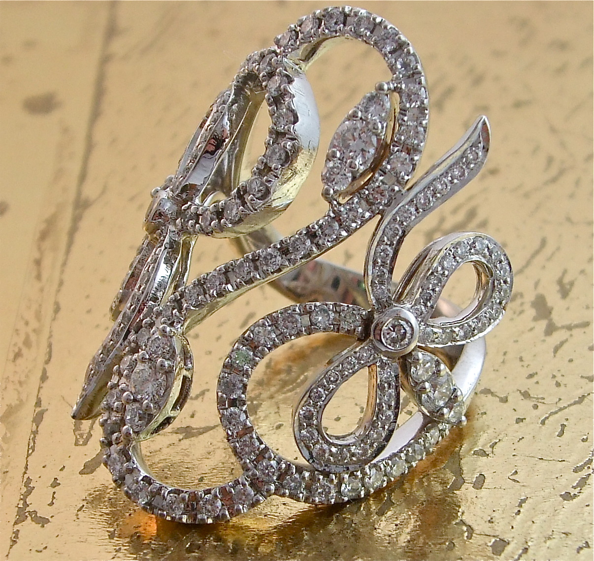 Fashionable Diamond Ring - Item No: 0013550