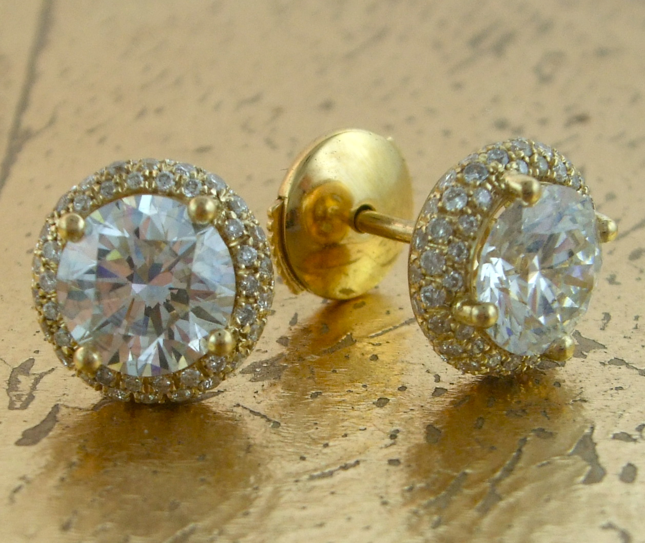 Diamond Earrings - Item No: LB004