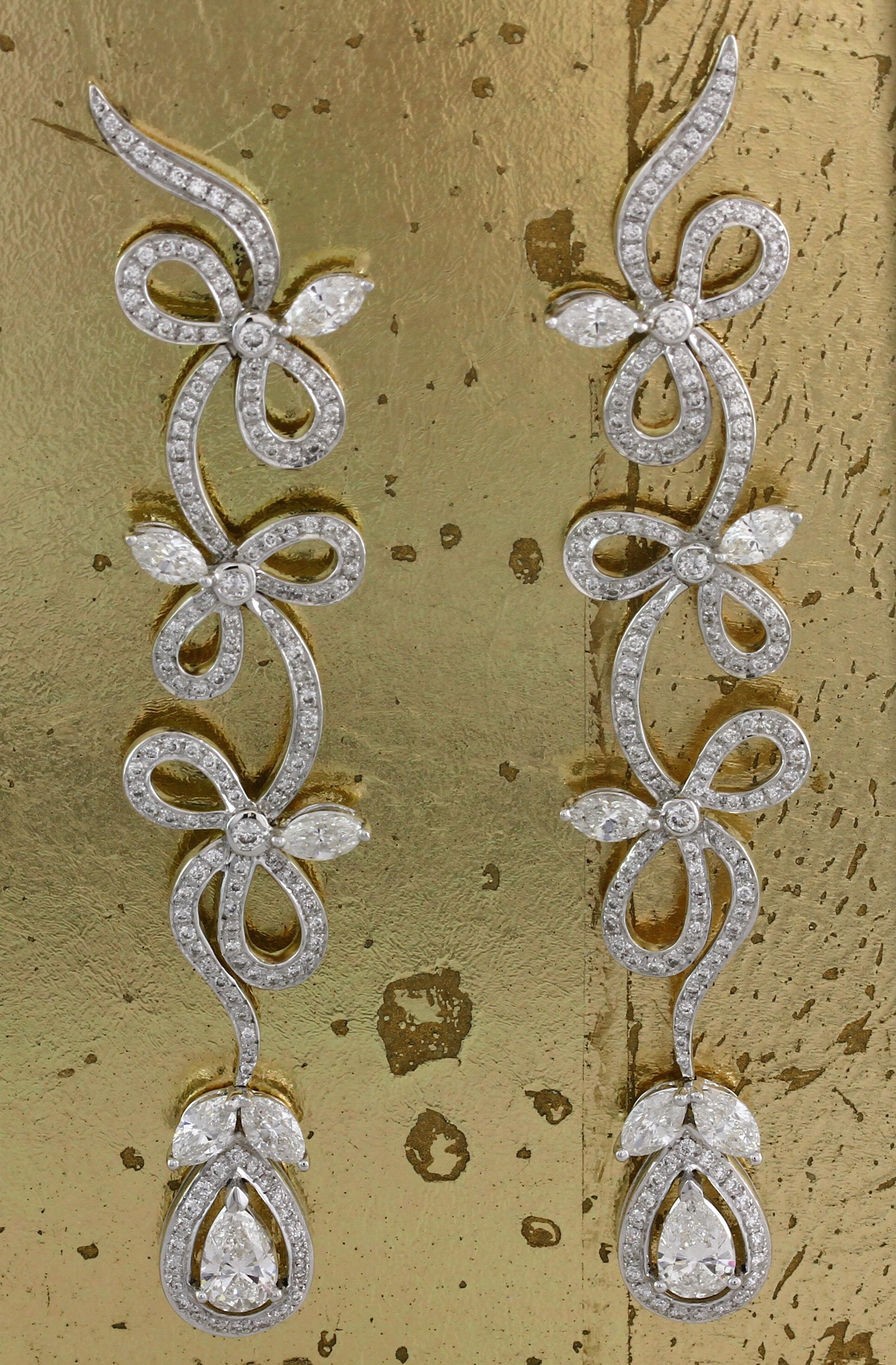 Pear shaped Diamond Earrings - Item No: 0013235