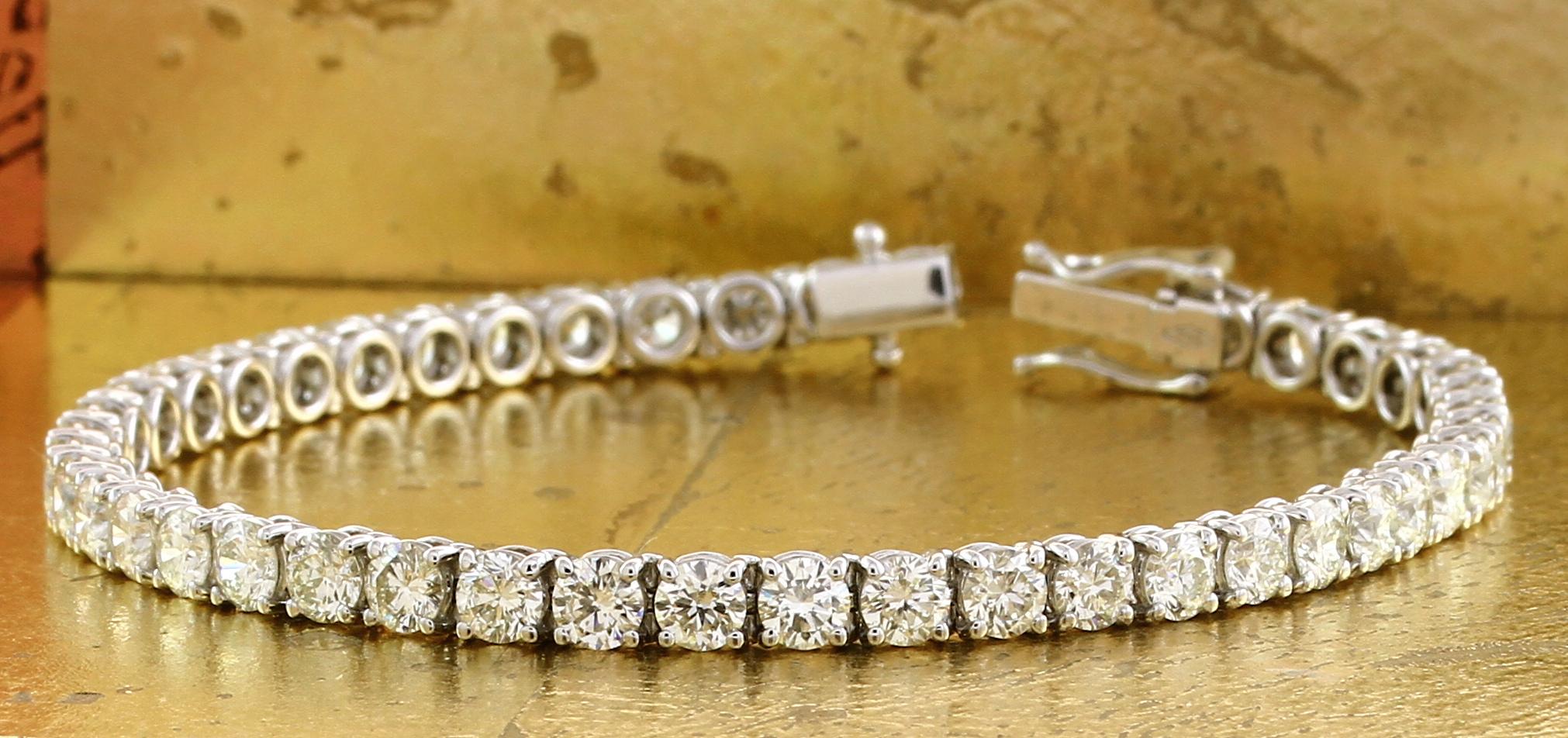 Tennis Bracelet set with Round Diamonds - Item No: 0013598