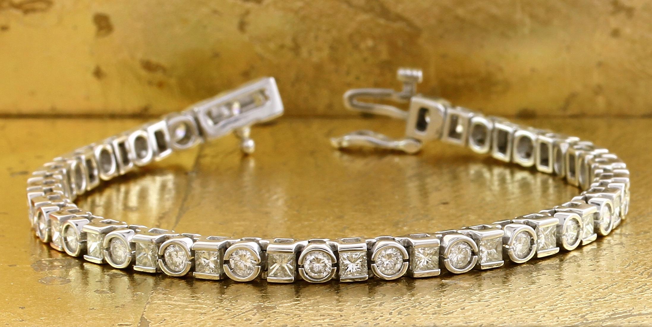 Tennis Bracelet in Round & Princess cut Diamonds - Item No: 0010622