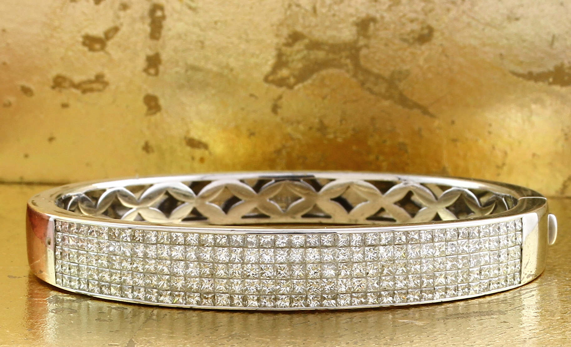 Bangle in Invisible Setting 5 Rows Princess Cut Diamonds - Item No: 0010650