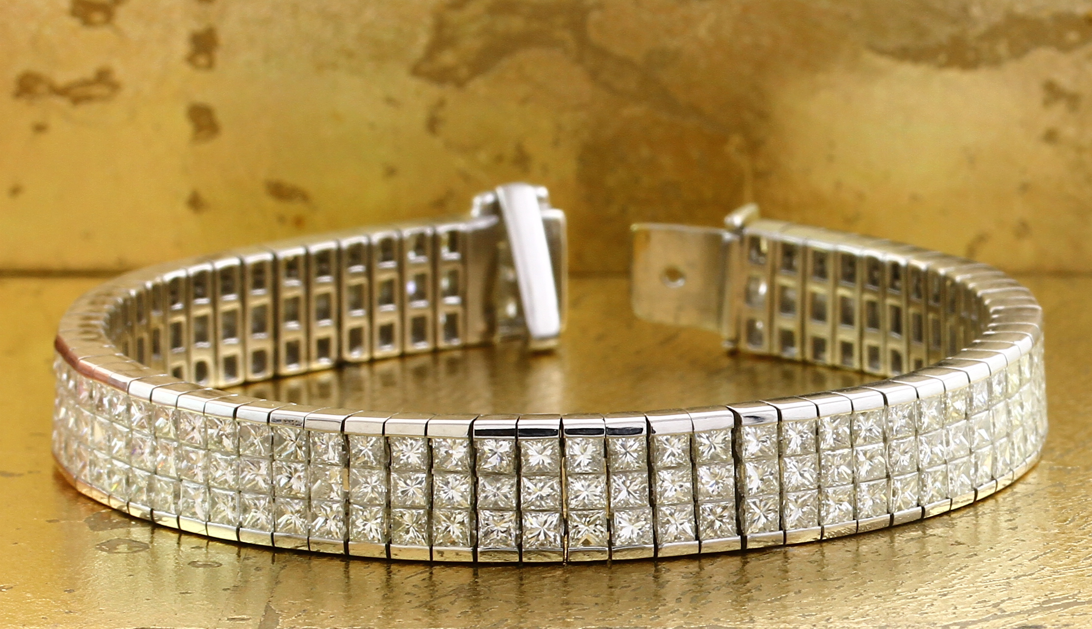 Bracelet 3 Rows Diamonds in Invisible Setting - Item No: 0010634