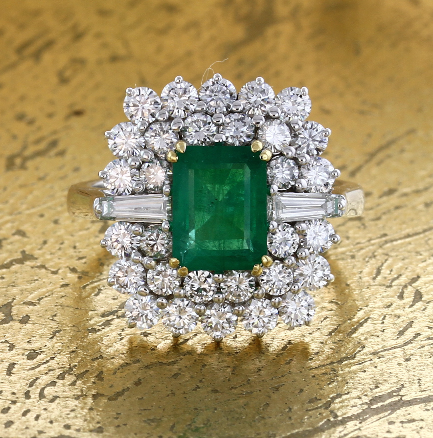 Emerald Ring with Baguette & Round Diamonds. Item No:0013901