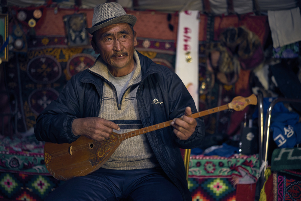 Haizem at his best when he is with his Dombor singing tunes about fast horses. Captured and enjoyed in his home by Sagsai river in Bayan-Ulgii.
