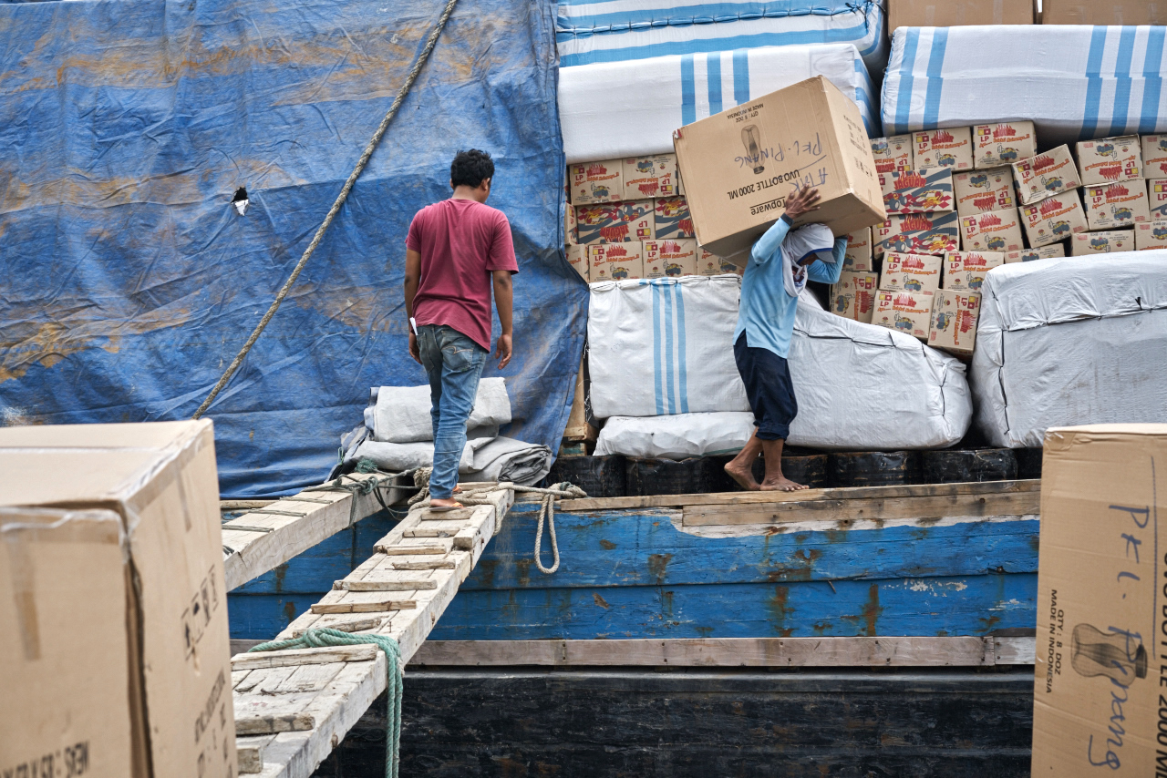 boat to Papua, provisions and provisions