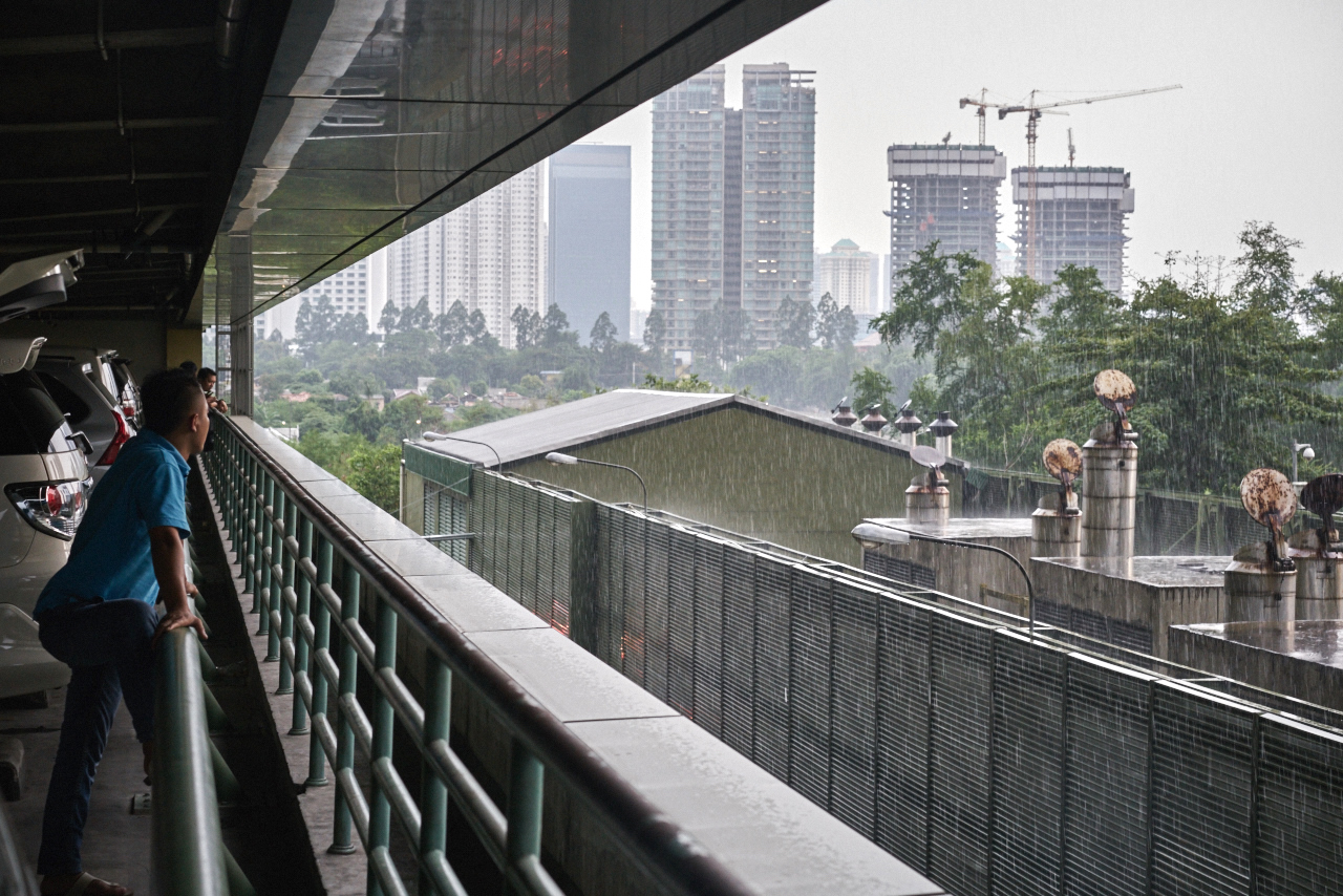 winter is a rainy season in Indonesia, heavy downpours are common