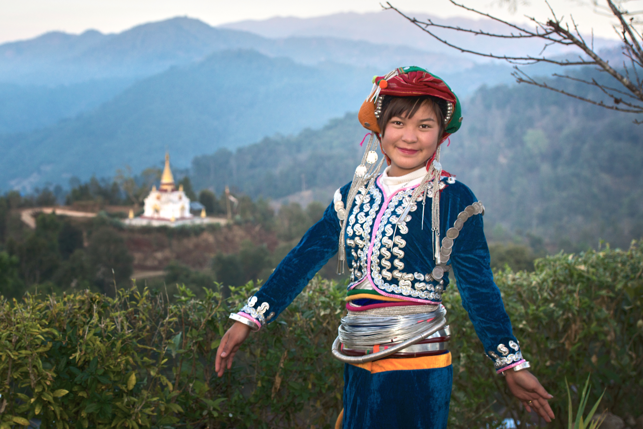 Khasar_S_DragonDress_IV_PansariVillage_ShanState_Myanmar_Winter_2013.jpg