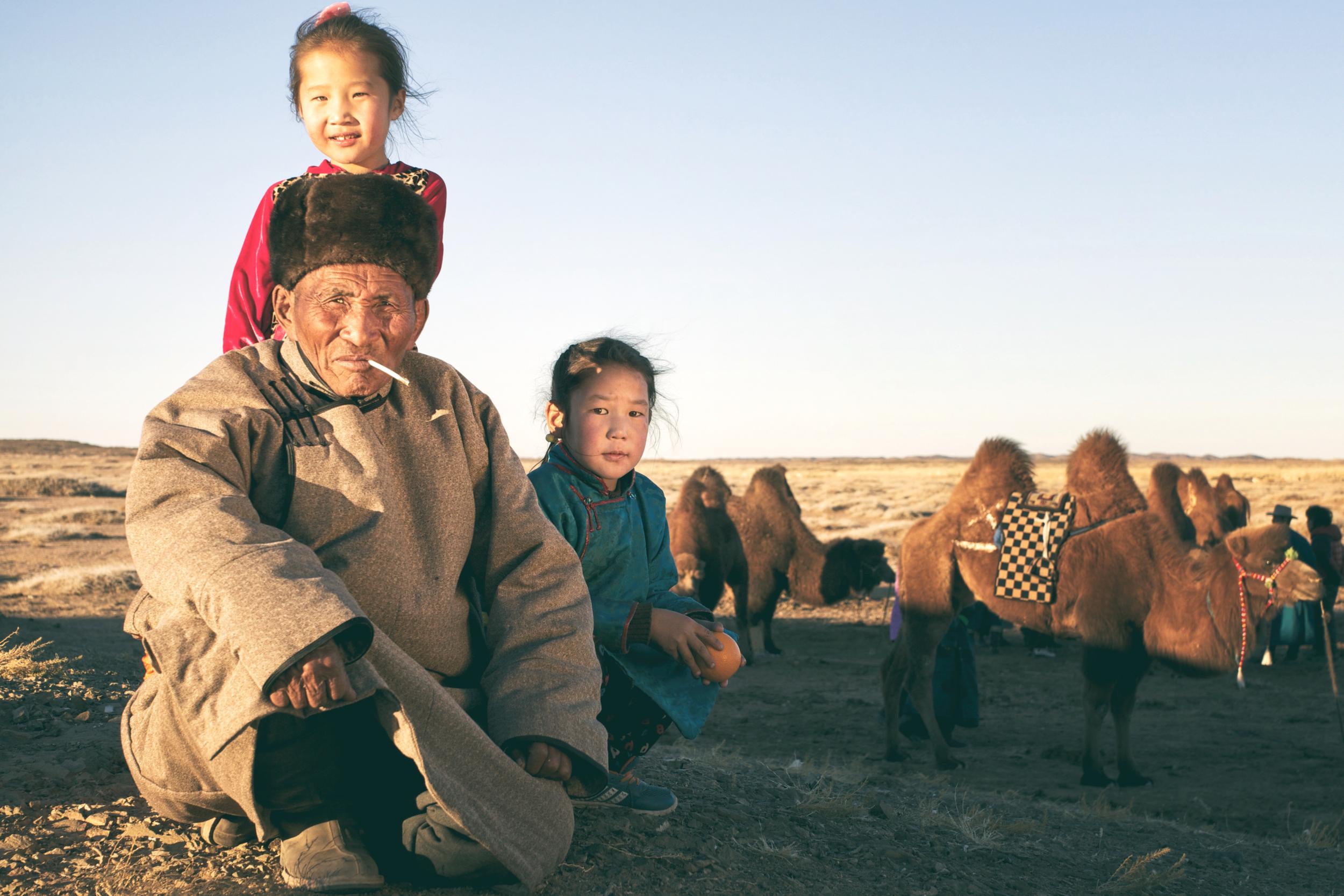 KSP_GrandpasKids_SouthGobi_MongoliaWinter_2013.png