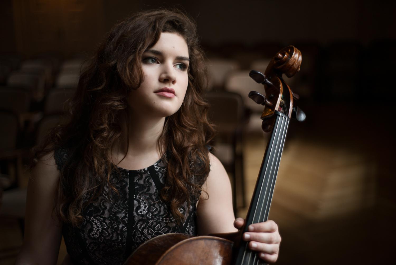 Julia Hagen1