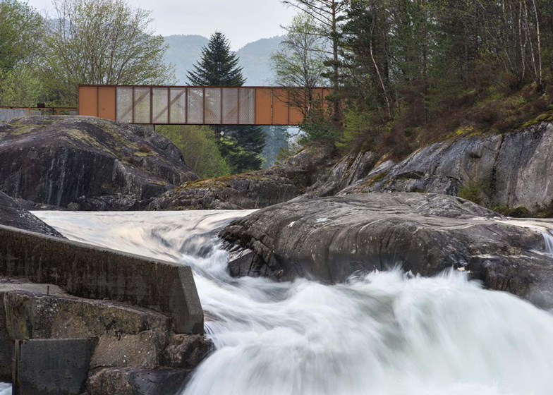 dezeen_Hose-Bridge-in-Suldal-by-Rintala-Eggertsson-Architects_ss_2.jpg