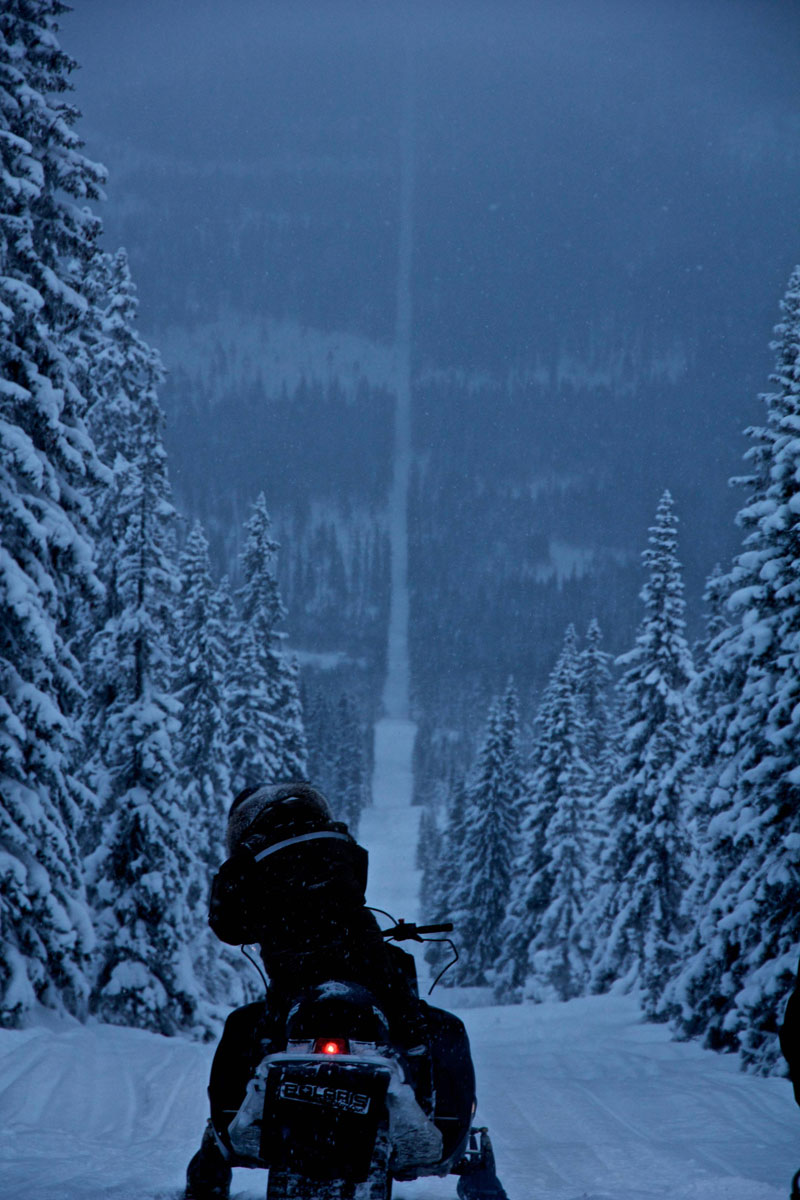 norway-sweden-border-snowmobile-winter.jpg