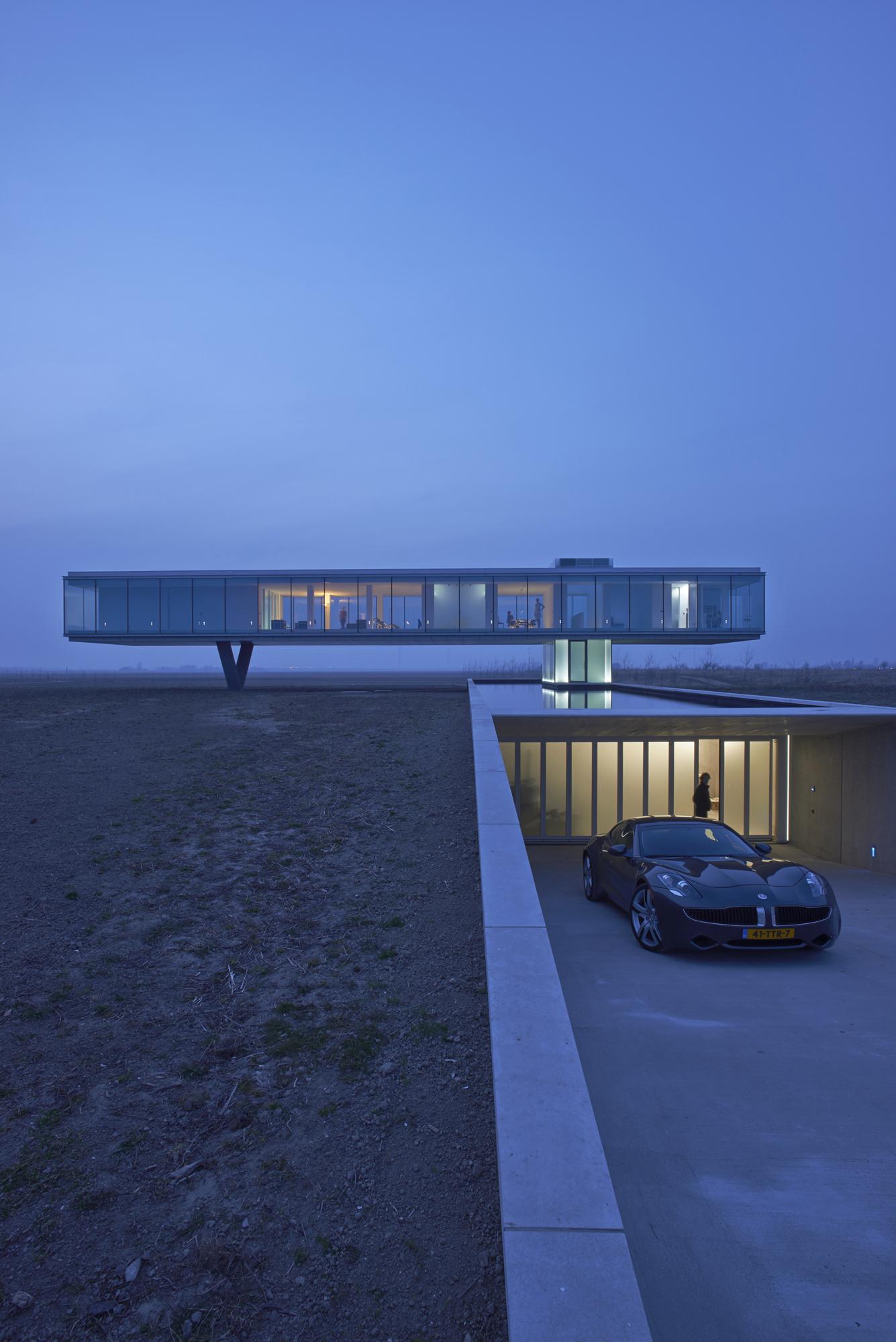 52a11585e8e44e00d8000038_villa-kogelhof-paul-de-ruiter-architects_villa_kogelhof_11_paul_de_ruiter_architects_-_jeroen_musch.jpg