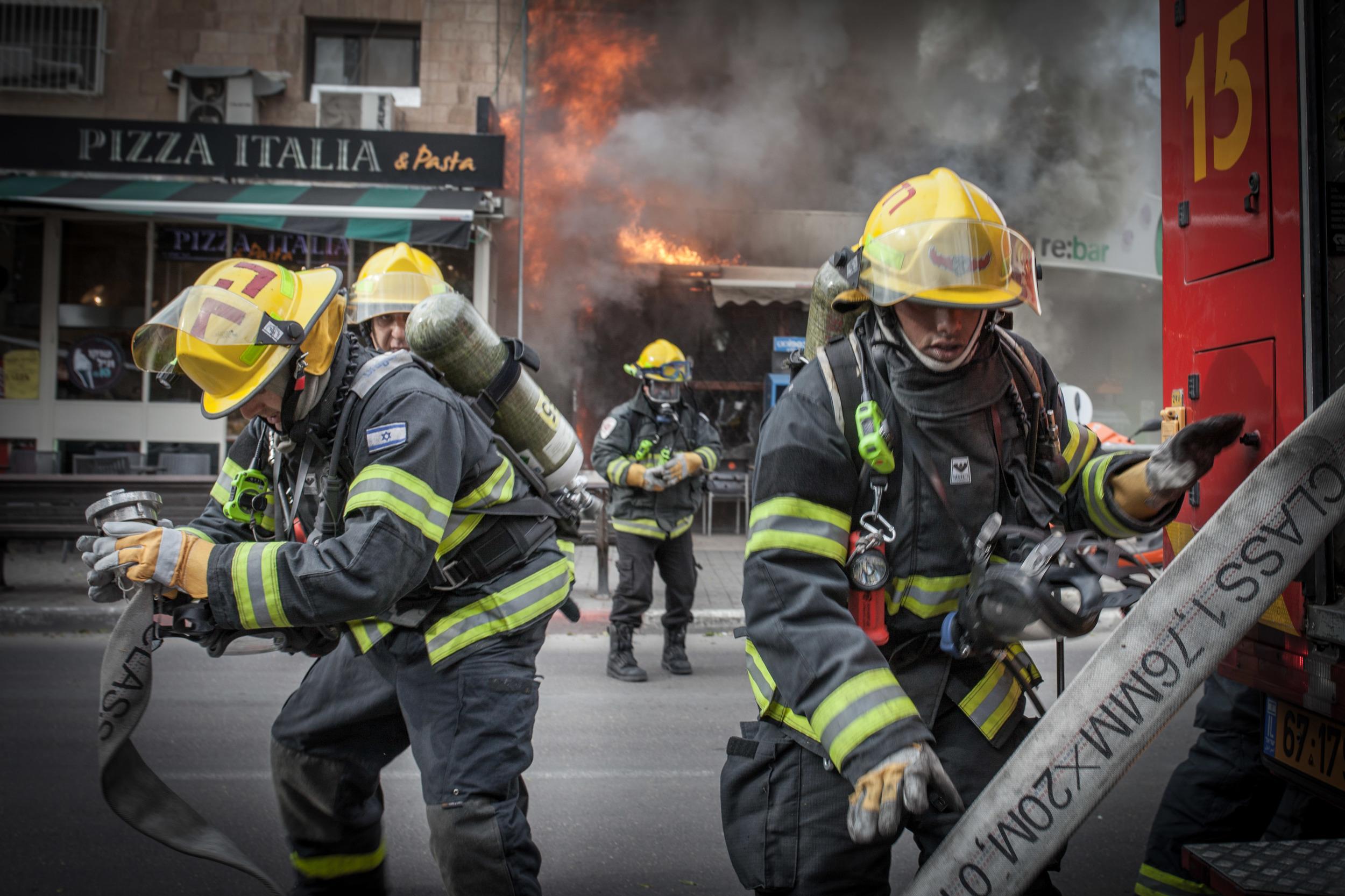 fire broke out in a shop on Emek Refaim in Jerusalem.