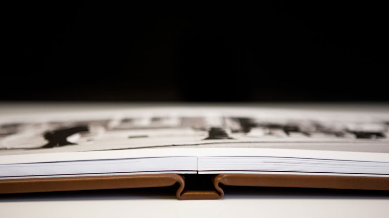 folio_albums_04_open_spine.jpg