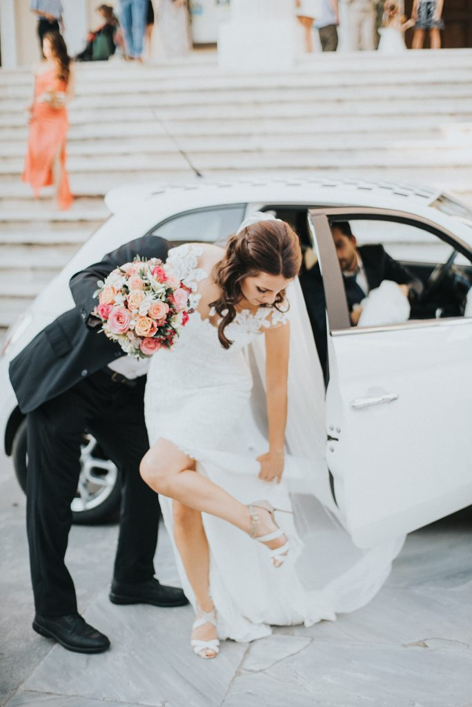 here+comes+the+bride.jpg