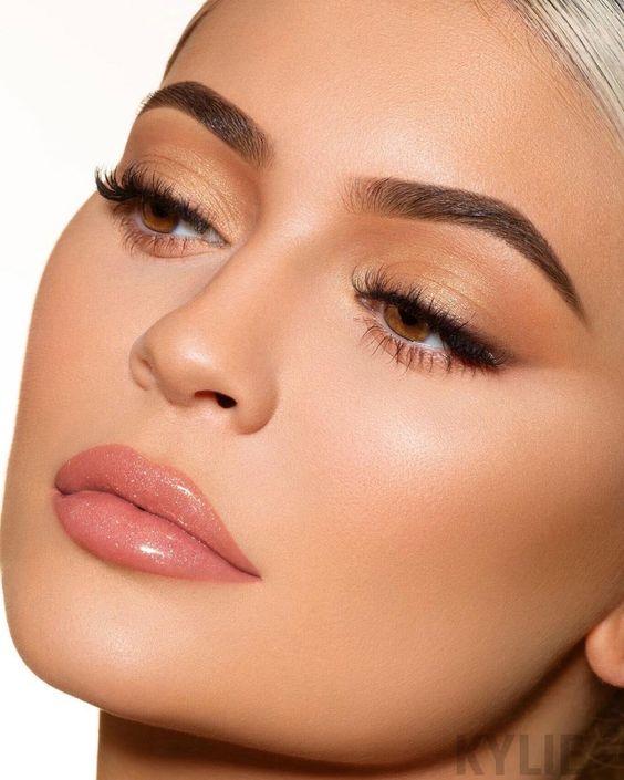 Σαγηνευτικό νυφικό μακιγιαζ εμπνευσμένο απο την Kylie