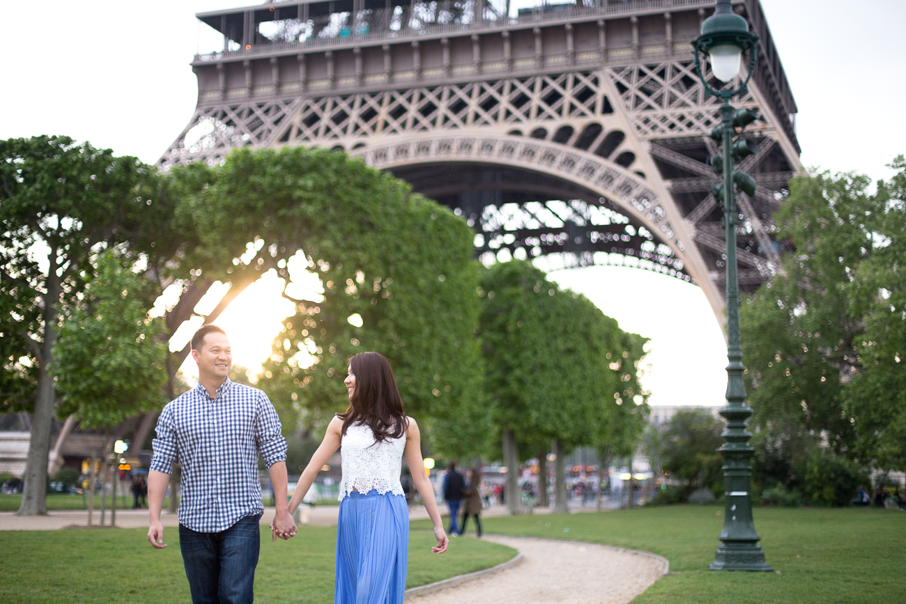engaged couple by eiffel tower.jpg