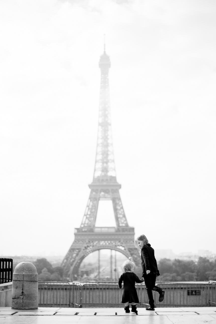 briellas-journey-paris-family-photographer_001.jpg