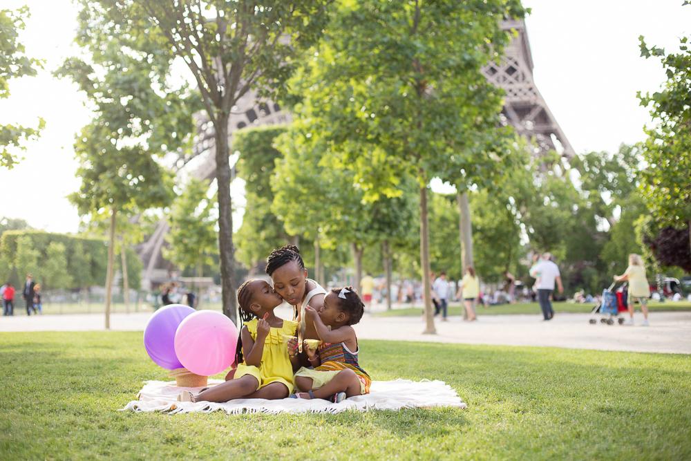 Paris, France Eiffel Tower Family Portrait Session, Family Lifestyle Natural Light Photographer_013.jpg