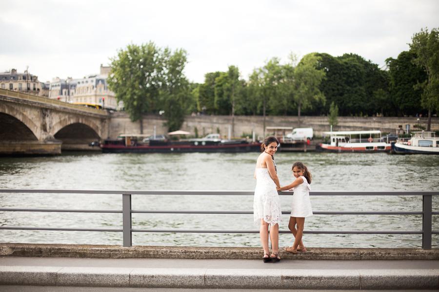 Paris, France Gorgeous Mother Daughter photo session, family photos in Paris_006.jpg