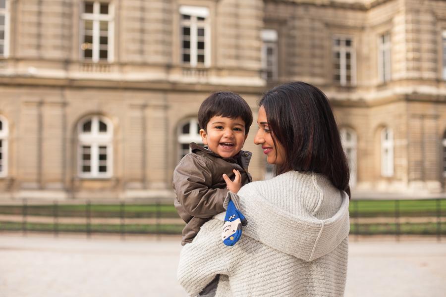 paris-france-lifestyle-maternity-family-photographer-jardin-du-luxembourg_007.jpg