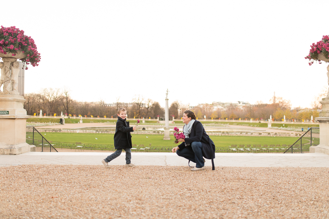winter-family-photo-session-ideas-paris-photographer-1