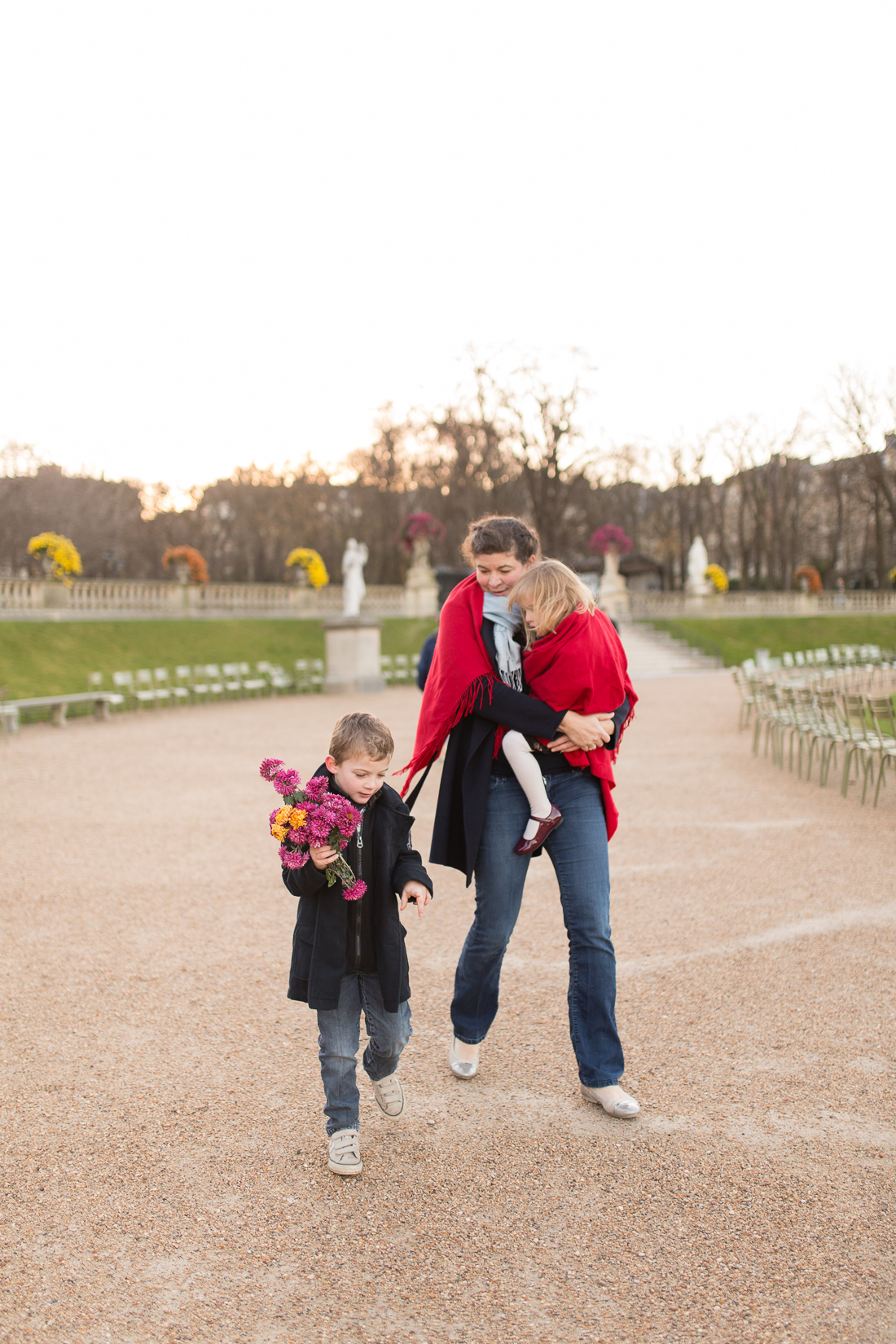 winter-family-photo-session-ideas-paris-photographer-5