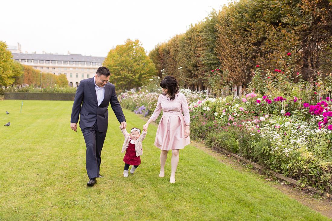 spring-fall-family-maternity-paris-palais-royal-louvre-photo-session-inspiration-7