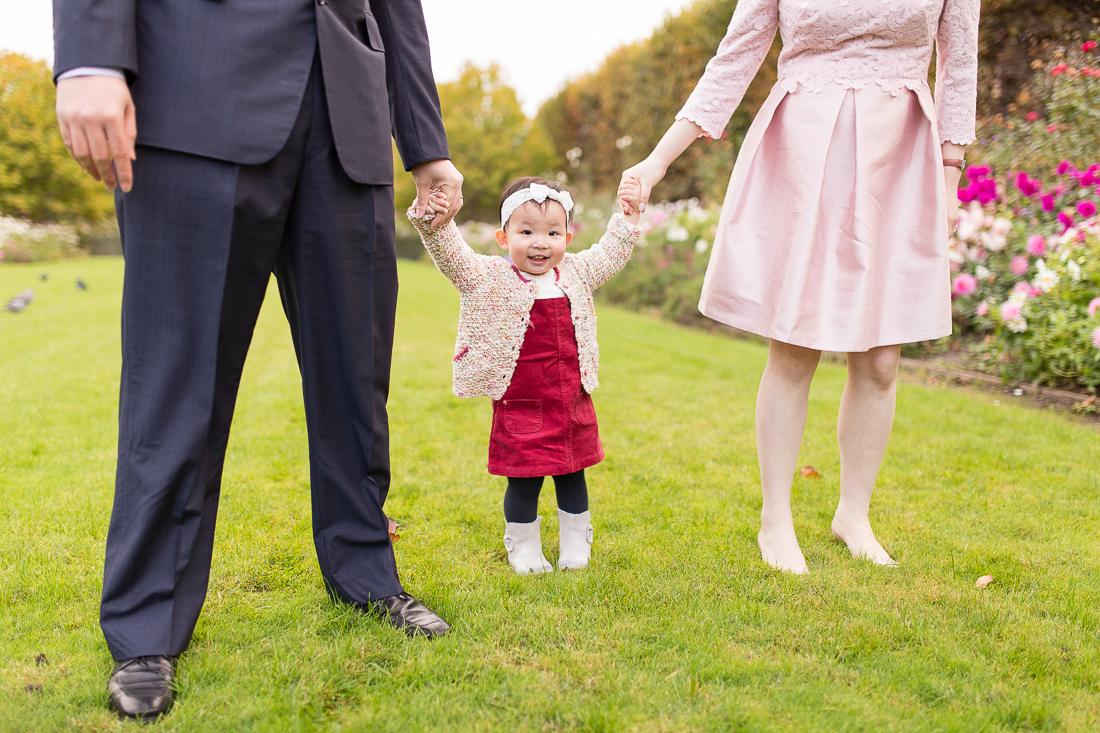 spring-fall-family-maternity-paris-palais-royal-louvre-photo-session-inspiration-8