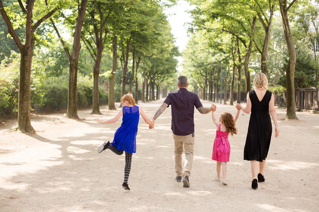 paris-eiffel-tower-alternative-family-photography-6