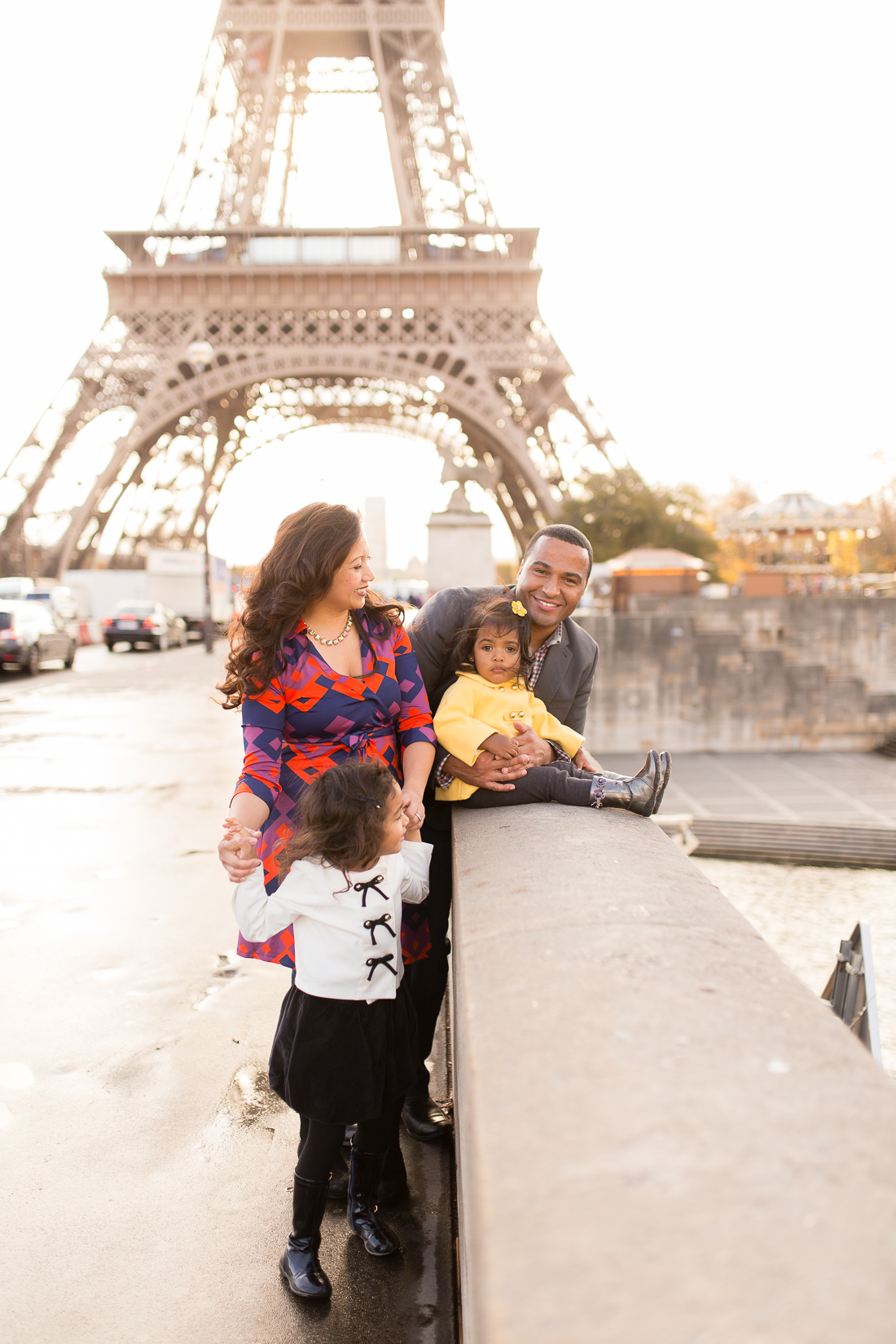 spring-fall-family-paris-eiffel-tower-photo-session-outfit-inspiratn-3