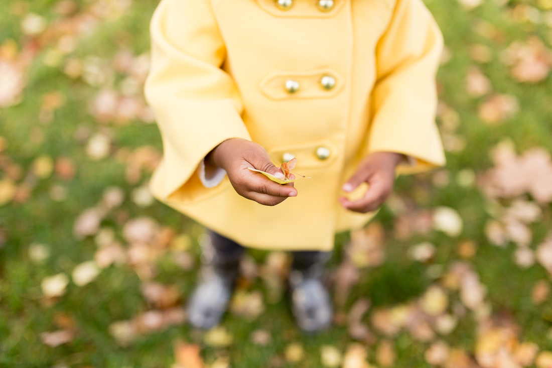 spring-fall-family-paris-eiffel-tower-photo-session-outfit-inspiratn-8