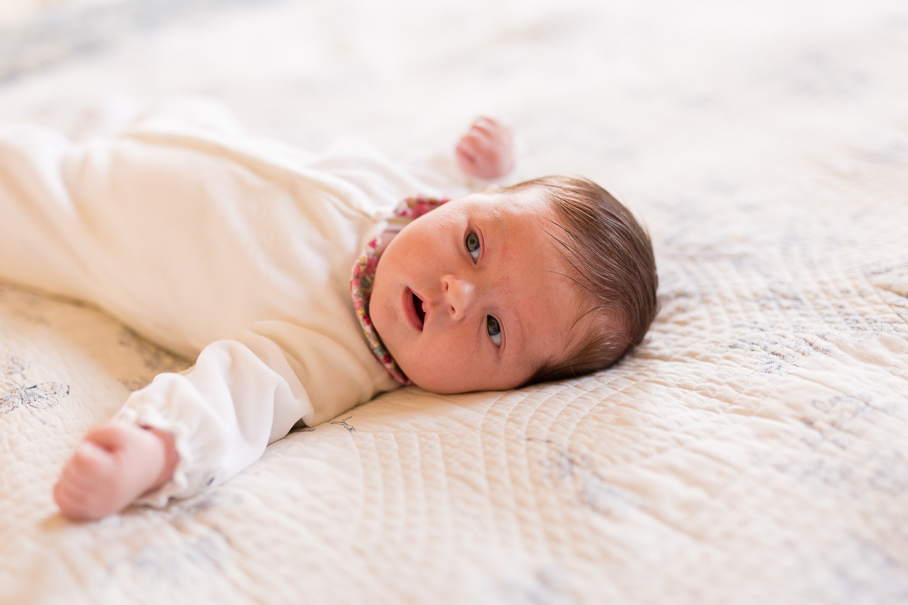 at-home-lifestyl-relaxed-large-family-newborn-photos-paris_005.jpg