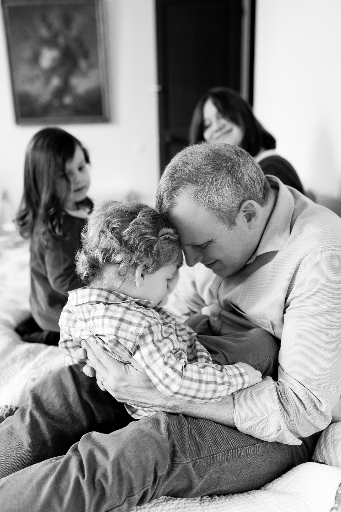 at-home-lifestyl-relaxed-large-family-newborn-photos-paris_018.jpg