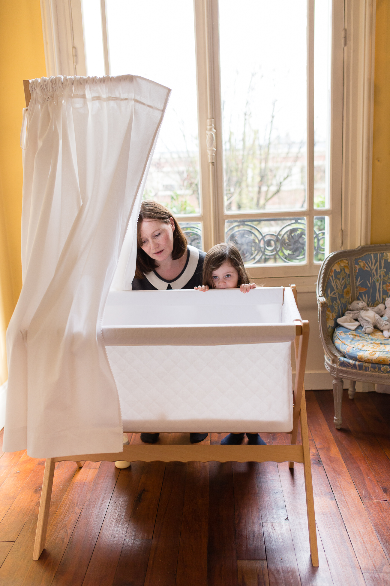 at-home-lifestyl-relaxed-large-family-newborn-photos-paris_022.jpg