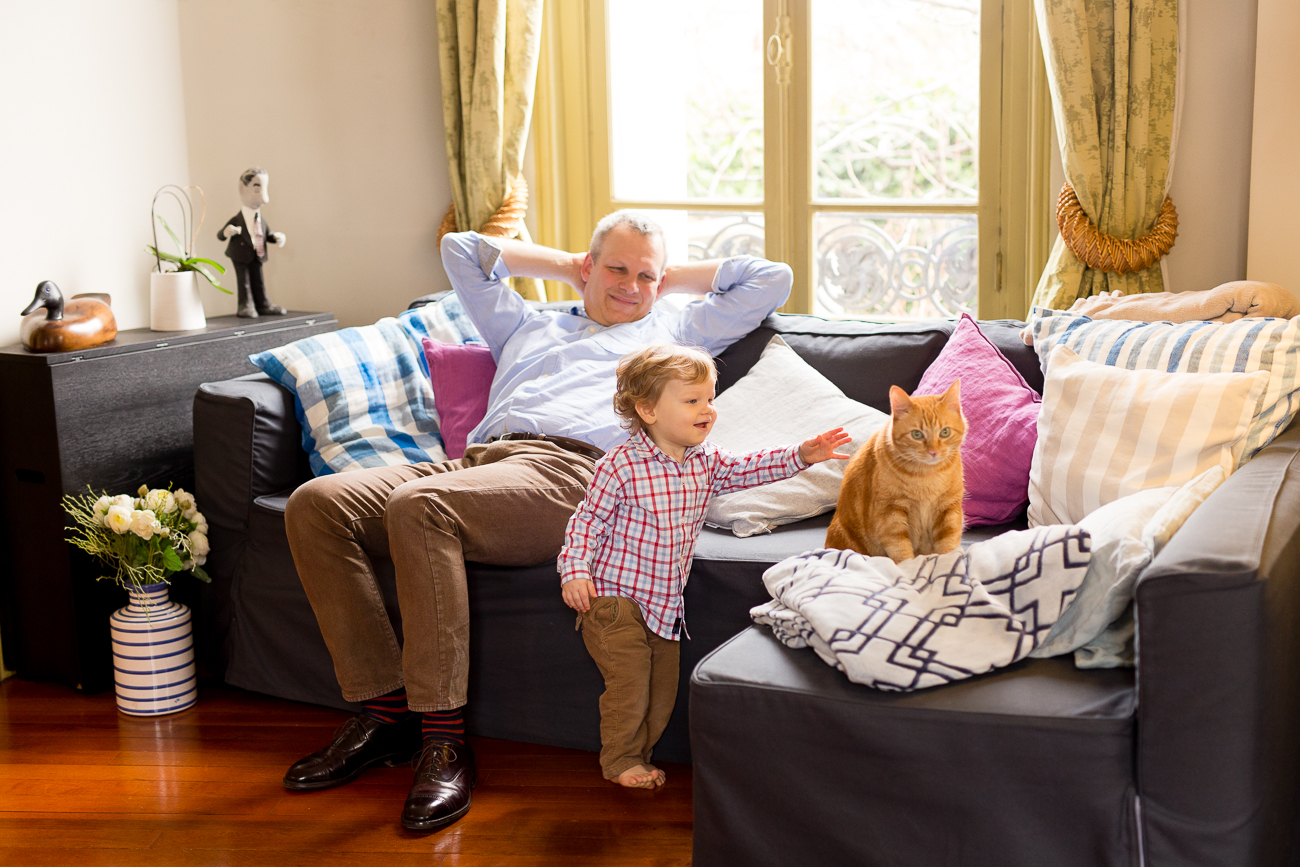 at-home-lifestyl-relaxed-large-family-newborn-photos-paris_032.jpg