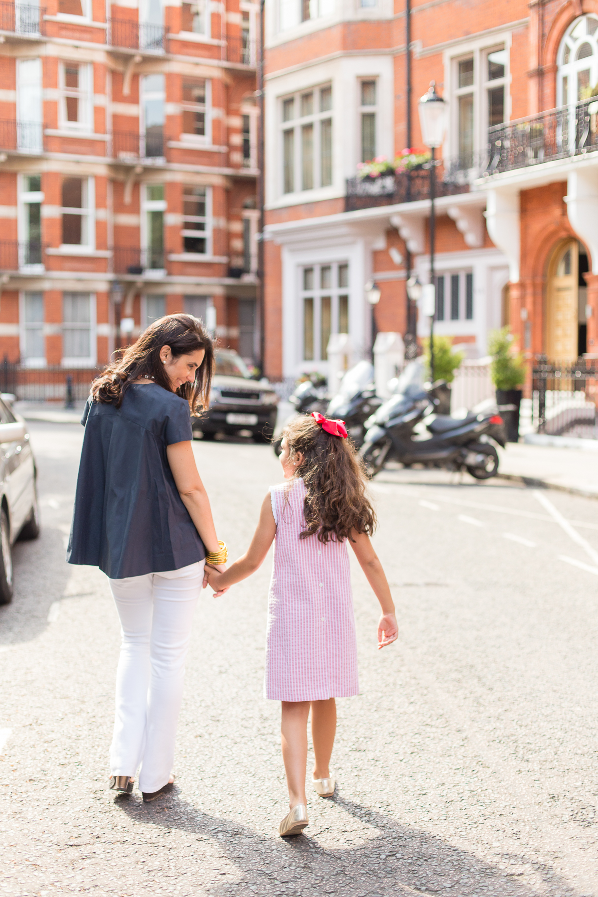 mother-daughter-photos-london-photographer-kensington_003.jpg