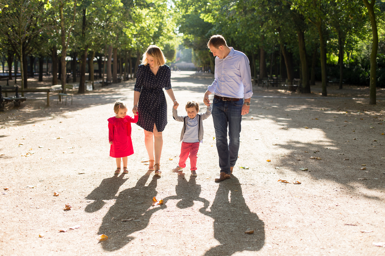 outdoor-family-photosession-jardin-du-luxembourg-paris-photographer_002.jpg