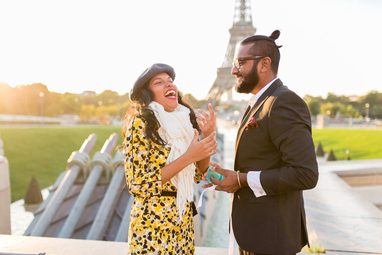 eiffel-tower-engagement-couples-photo-shoot-paris-photographer_003.jpg