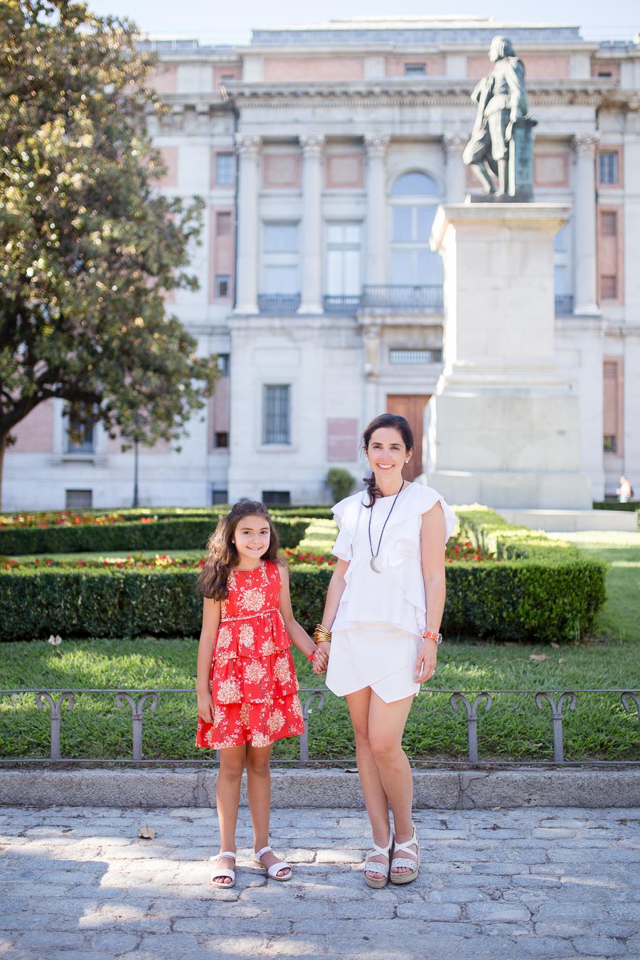 el-prado-madrid-mother-daughter-photo-session_004.jpg