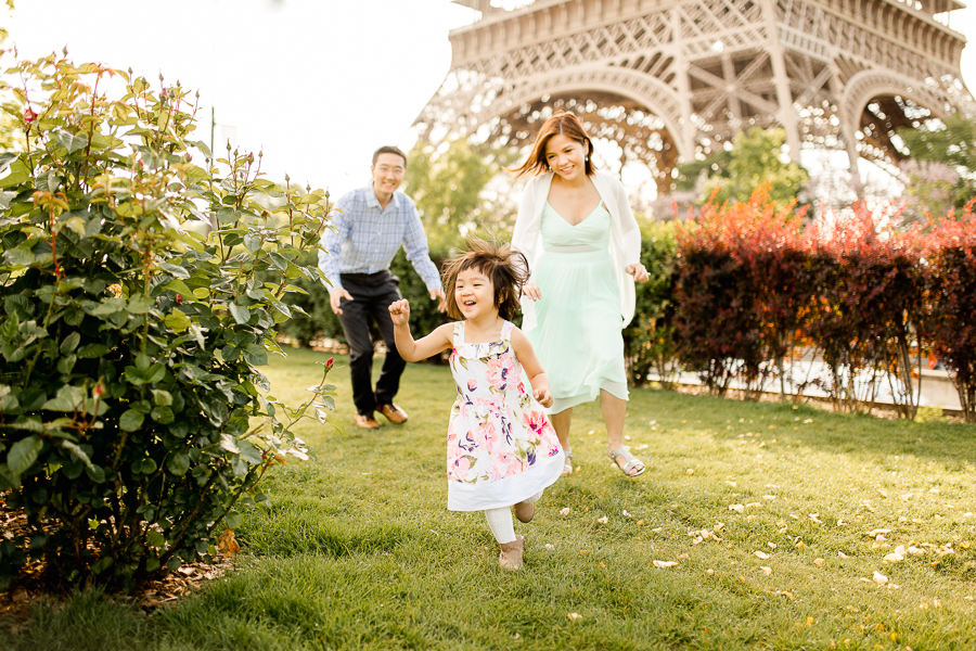 family-portraits-eiffel-tower-paris-photographer_012.jpg