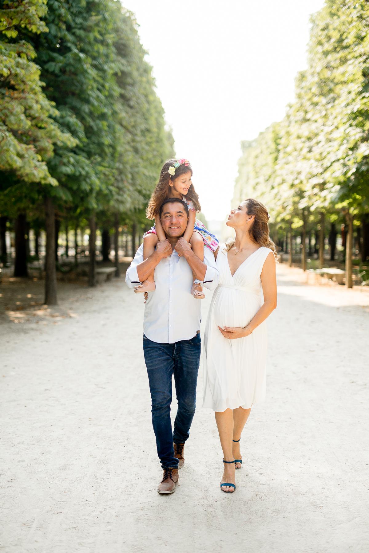 photographe_lifestyle_grosesse_famille_paris-louvre_001.jpg