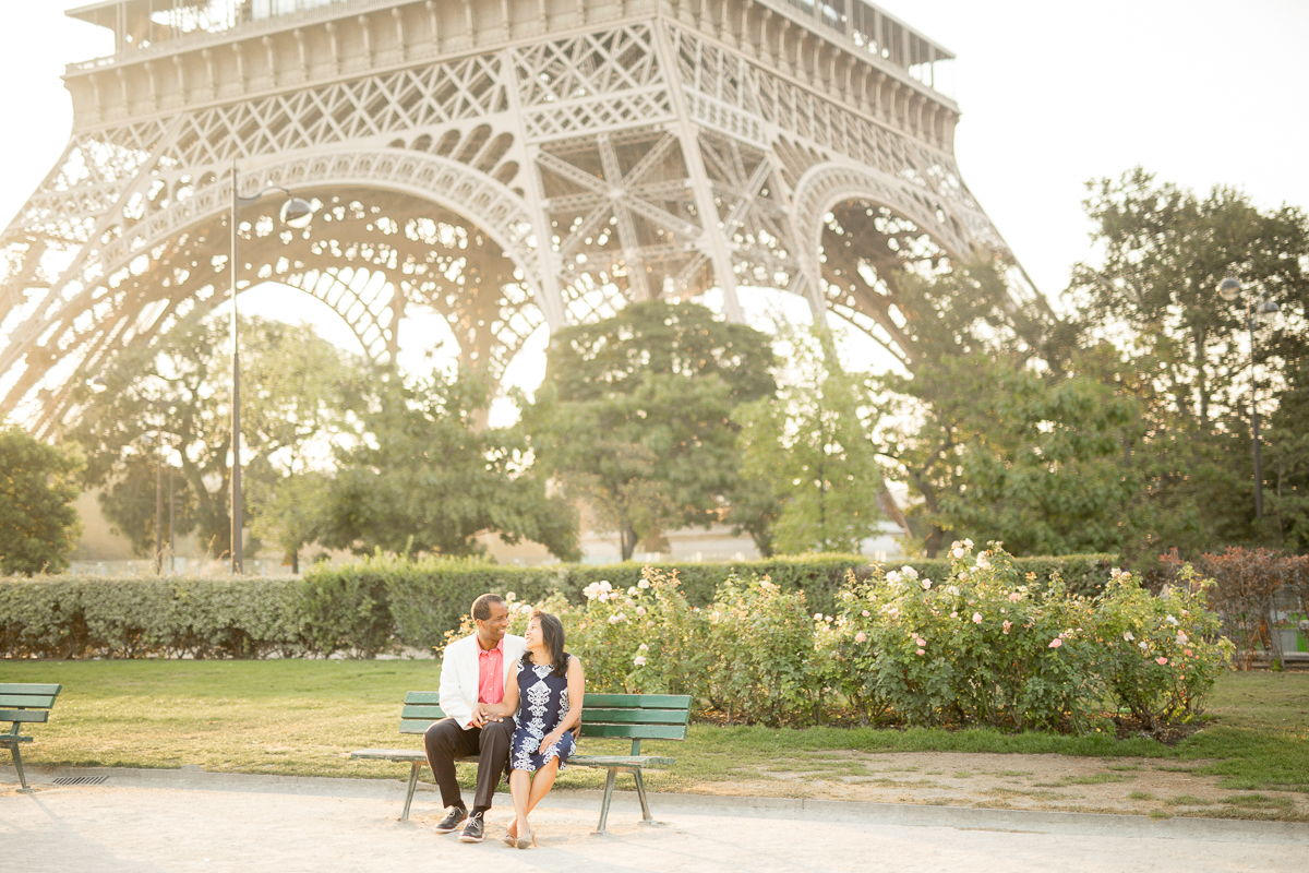 Romantic-Parisian-Couples-Anniversary-Photo-Session-Paris-Photographers-Katie-Donnelly-Photography_004.jpg