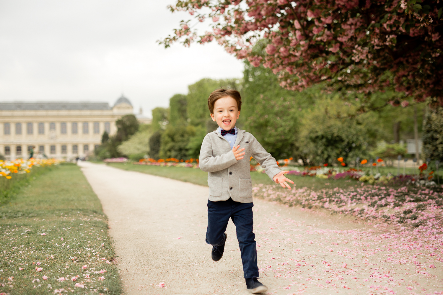 where-to-find-cherry-blossoms-in-paris-family-photographer_002.jpg